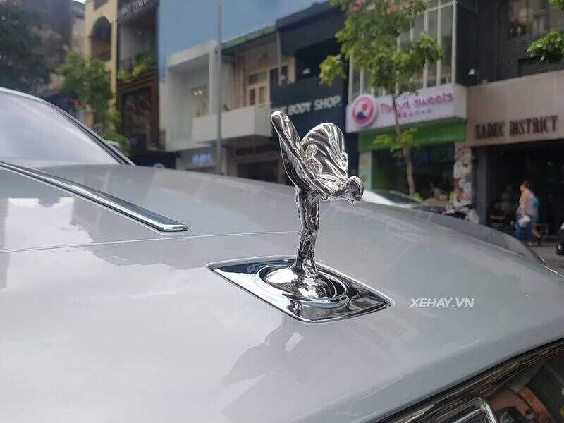 Sài Gòn: Rolls-Royce Wraith màu xám dạo phố sau thời gian dài ở ẩn - Hình 5