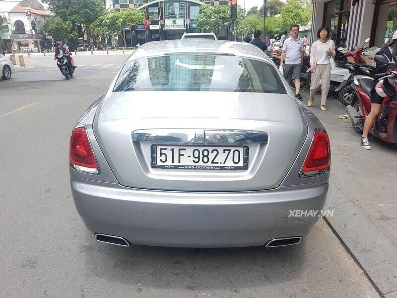 Sài Gòn: Rolls-Royce Wraith màu xám dạo phố sau thời gian dài ở ẩn - Hình 12