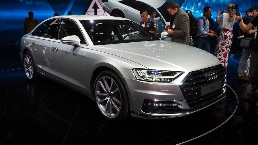 Sau A8 mới, Audi sẽ loại bỏ cỗ máy W12 mạnh mẽ mãi mãi - Hình 1
