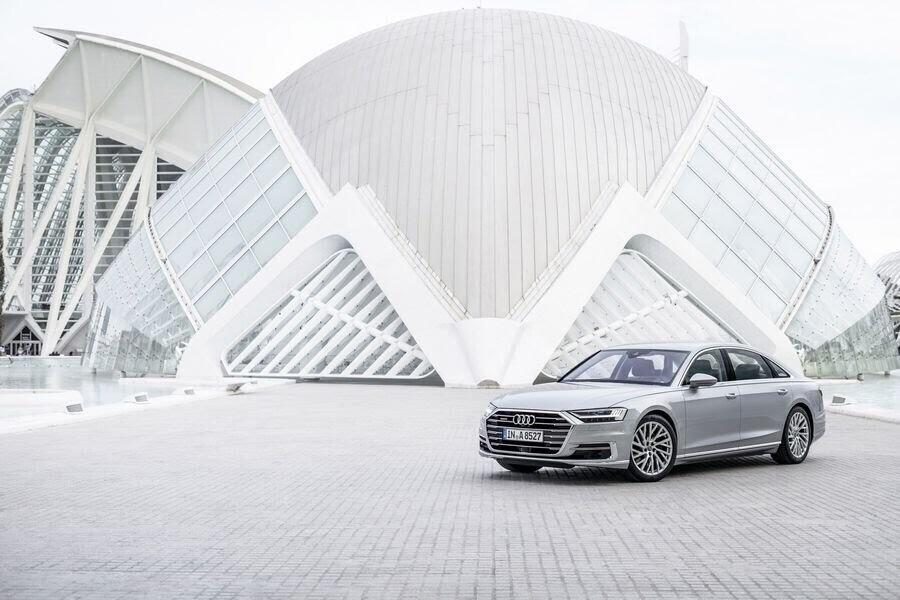 Sau A8 mới, Audi sẽ loại bỏ cỗ máy W12 mạnh mẽ mãi mãi - Hình 3