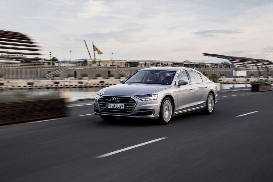 Sau A8 mới, Audi sẽ loại bỏ cỗ máy W12 mạnh mẽ mãi mãi - Hình 4