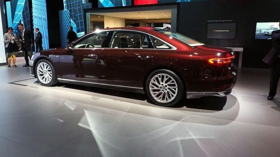 Sau A8 mới, Audi sẽ loại bỏ cỗ máy W12 mạnh mẽ mãi mãi - Hình 5