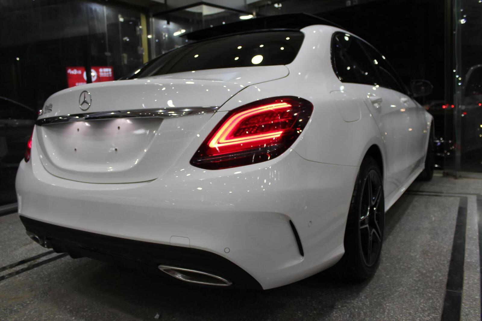 Sau Malaysia, Mercedes-Benz Việt Nam sắp sửa giới thiệu C-Class 2019? - Hình 4