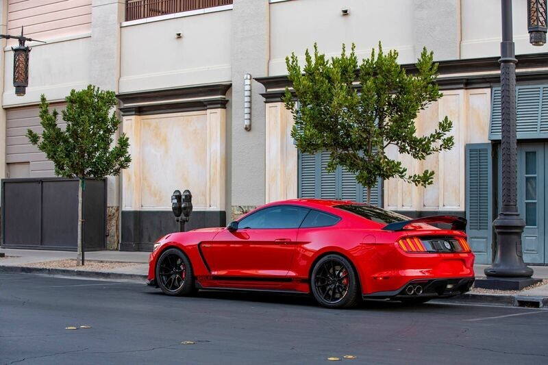 shelby-mustang-gt500-signature-edition-gay-bao-voi-suc-manh-hon-800-ma-luc