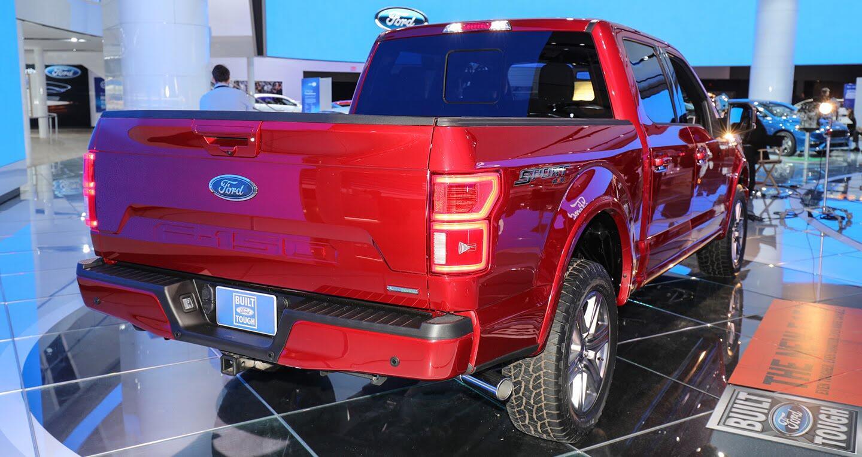 """""""Siêu bán tải"""" Ford F-150 2018 có giá khởi điểm 28.675 USD - Hình 4"""