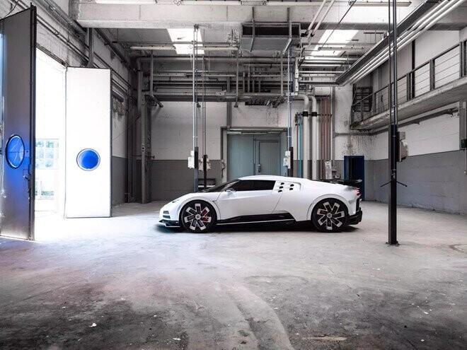 sieu-pham-moi-cua-bugatti-manh-1600-ma-luc-gia-9-trieu-usd-5.jpg