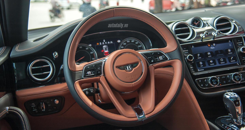 Bentley Bentayga (18).JPG
