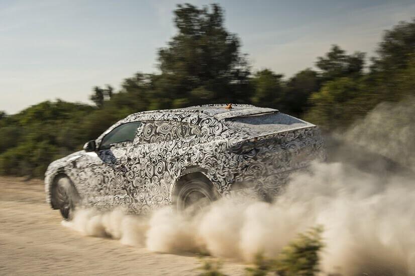 Siêu SUV Lamborghini Urus chính thức ra mắt, 650 mã lực - Hình 12