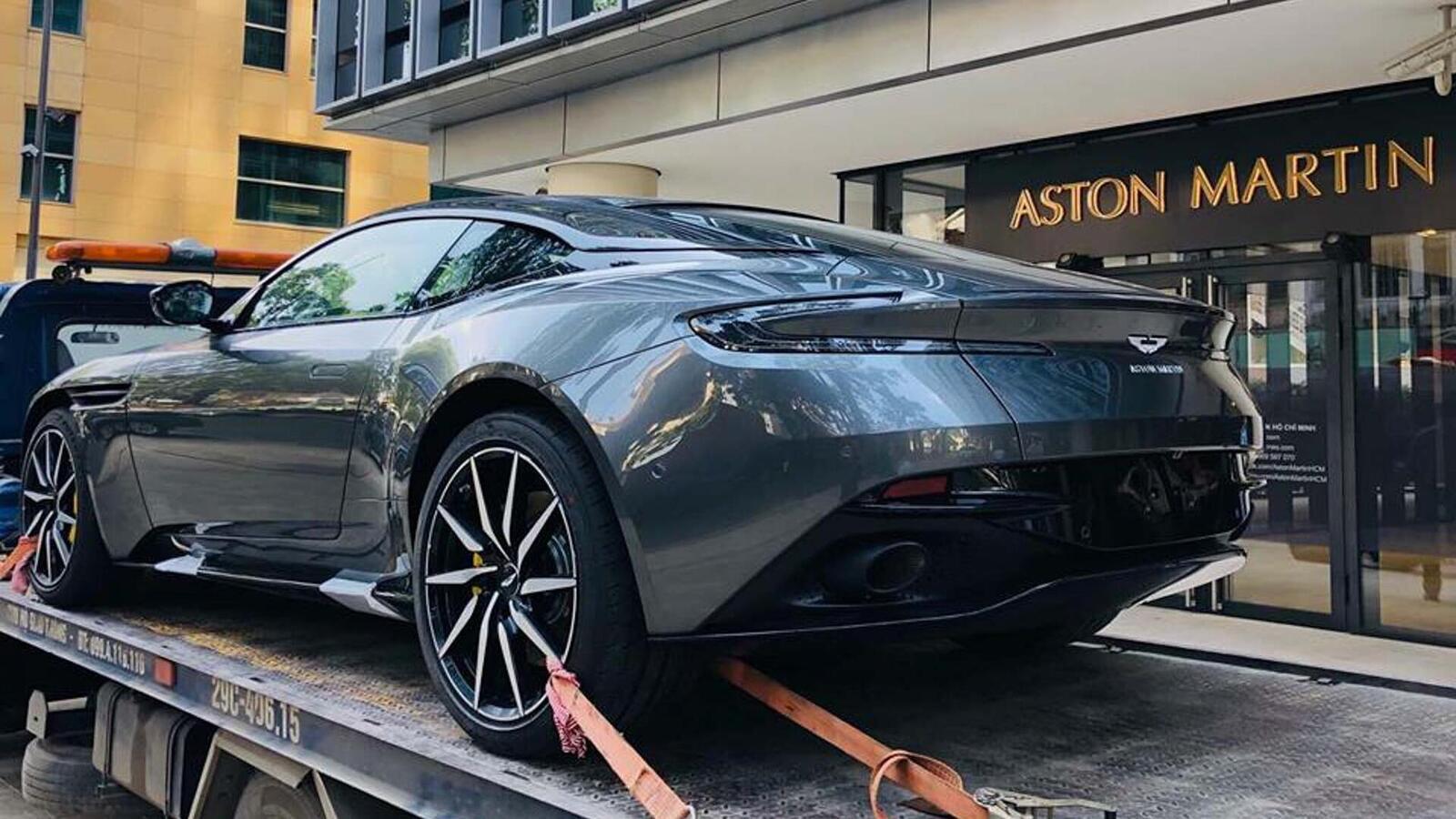 Siêu xe Aston Martin DB11 về Việt Nam; xe nhập chính hãng - Hình 1