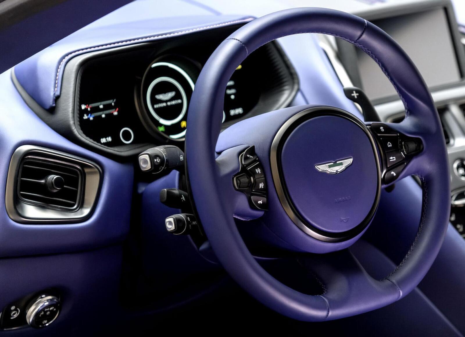 Siêu xe Aston Martin DB11 về Việt Nam; xe nhập chính hãng - Hình 16