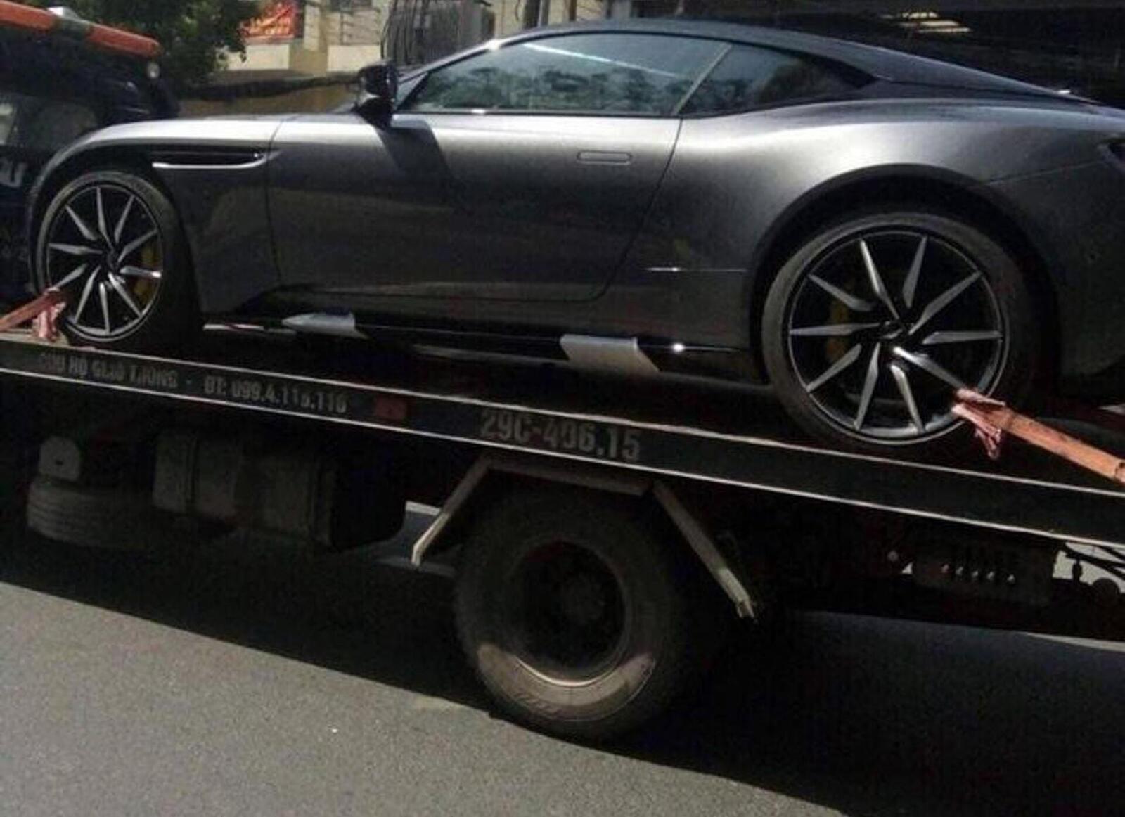Siêu xe Aston Martin DB11 về Việt Nam; xe nhập chính hãng - Hình 3