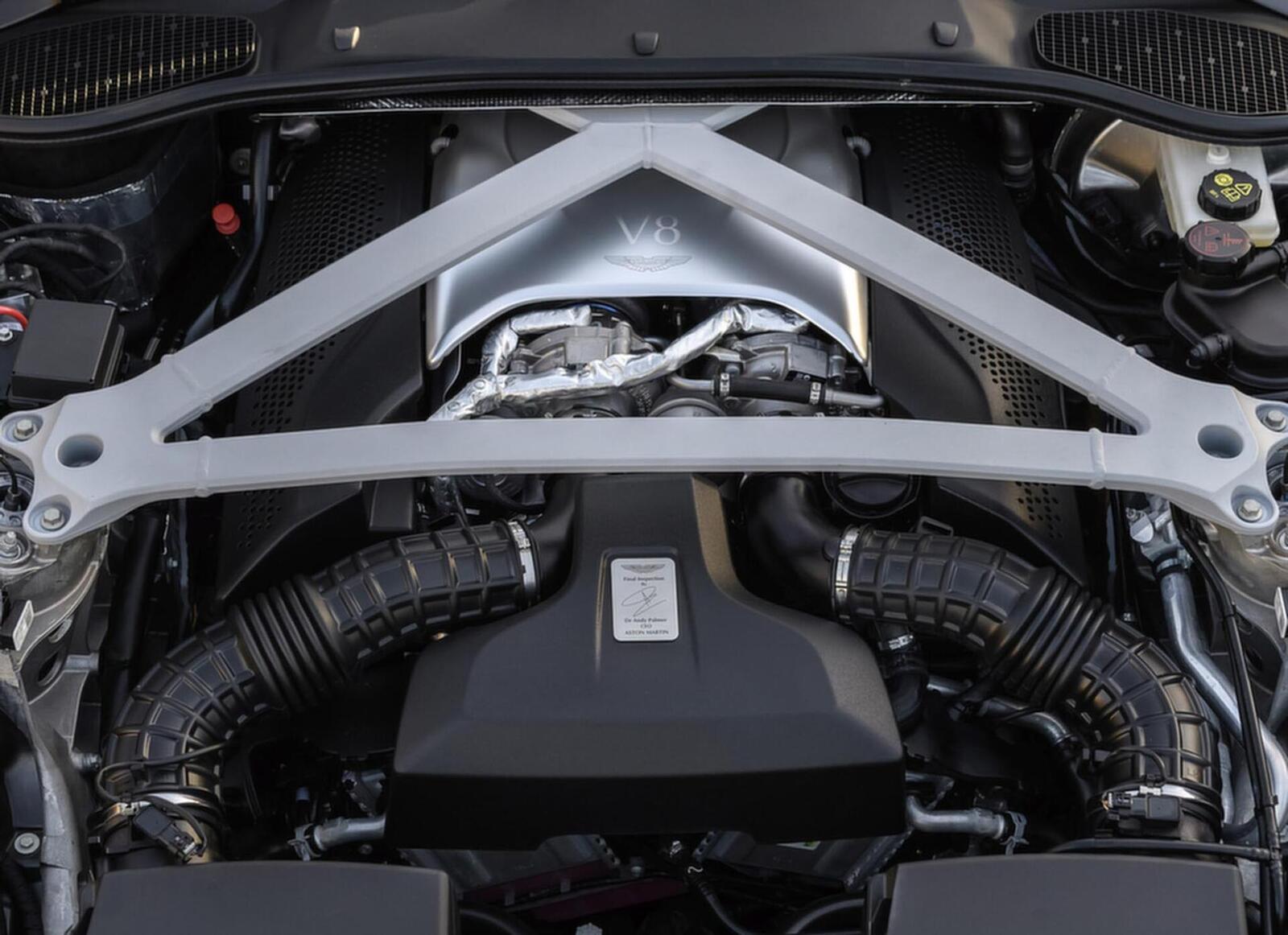 Siêu xe Aston Martin DB11 về Việt Nam; xe nhập chính hãng - Hình 5