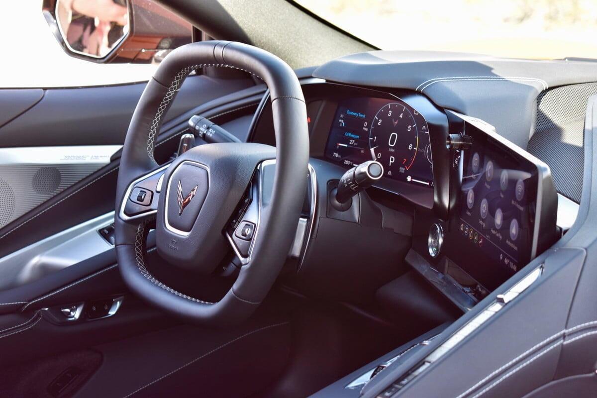 sieu-xe-corvette-stingray-2020-3.jpg