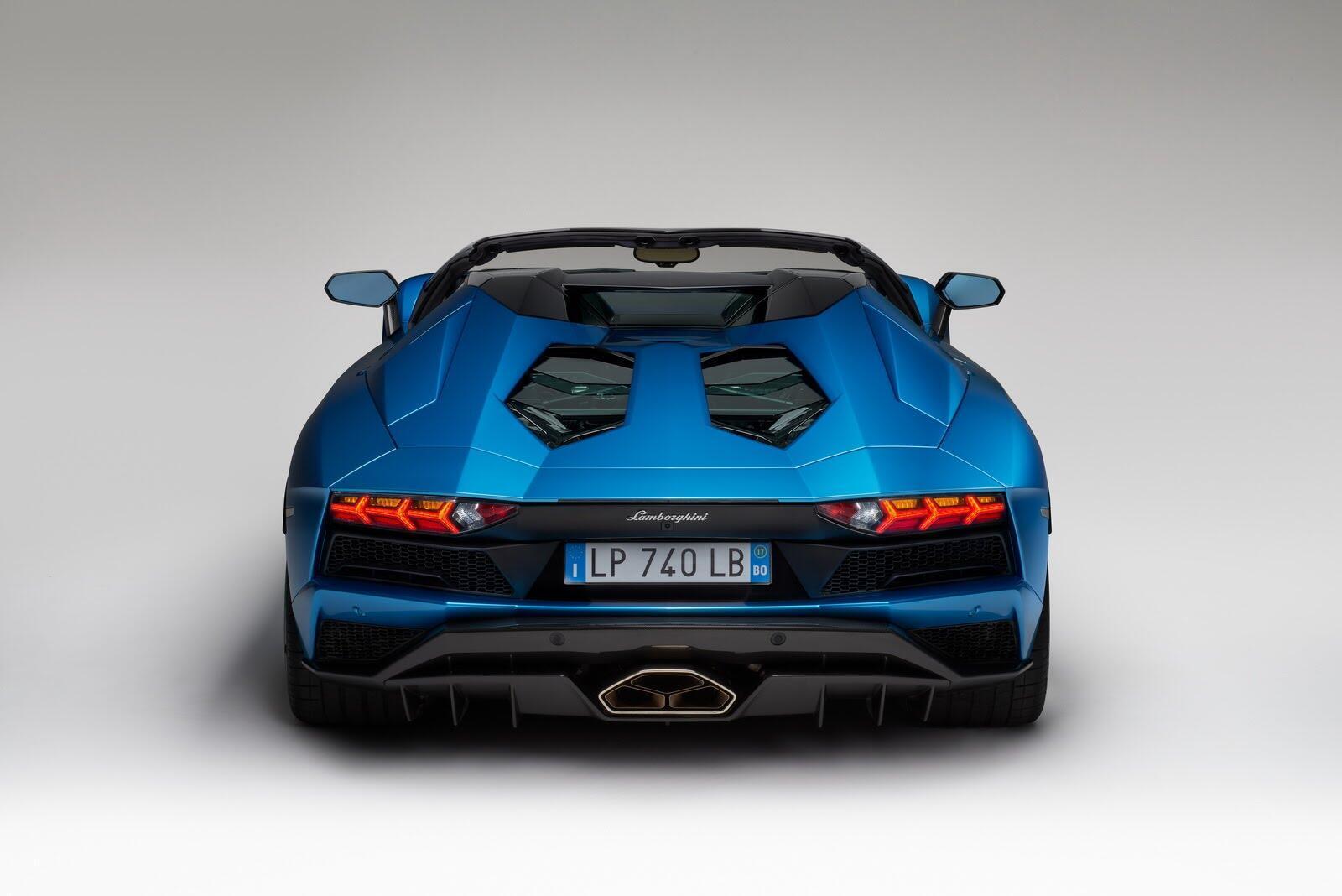 Siêu xe Lamborghini Aventador S Roadster chính thức trình làng - Hình 4
