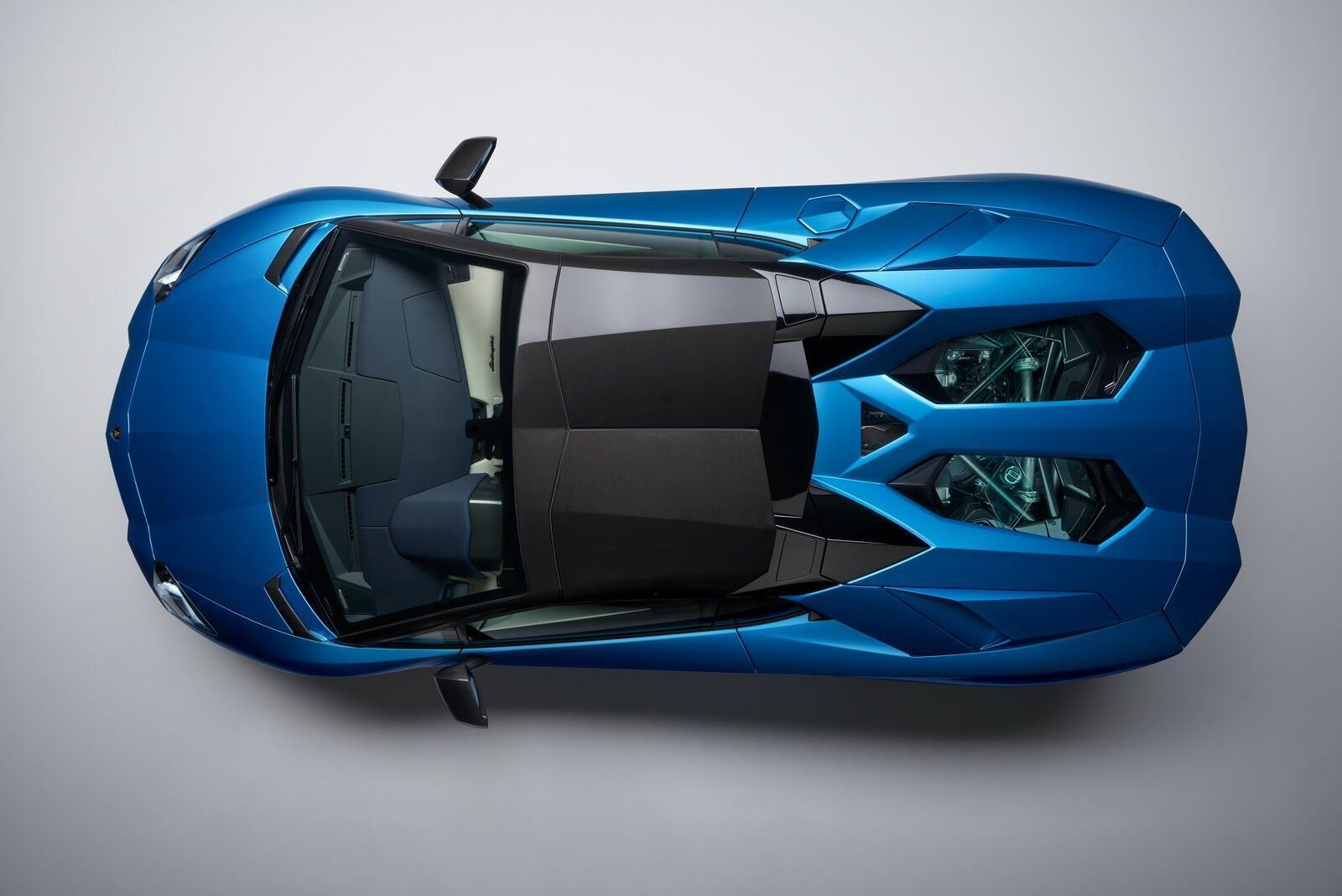 Siêu xe Lamborghini Aventador S Roadster chính thức trình làng - Hình 5