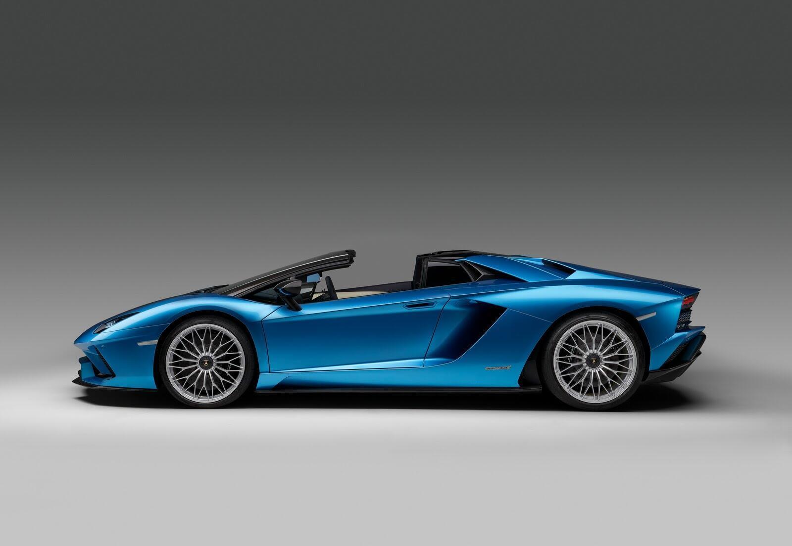 Siêu xe Lamborghini Aventador S Roadster chính thức trình làng - Hình 7