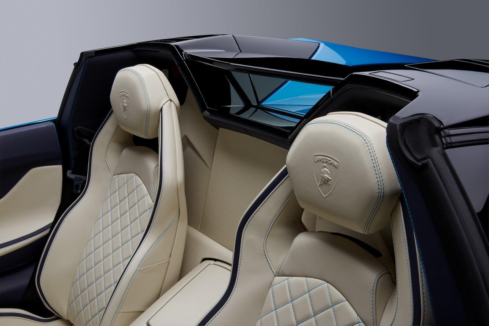 Siêu xe Lamborghini Aventador S Roadster chính thức trình làng - Hình 8
