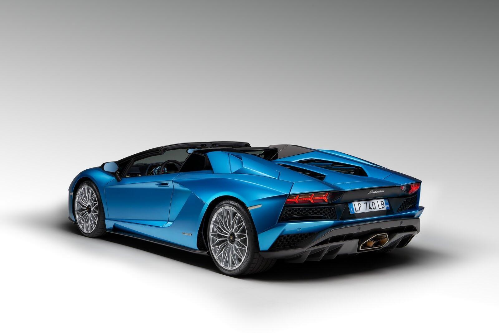 Siêu xe Lamborghini Aventador S Roadster chính thức trình làng - Hình 16