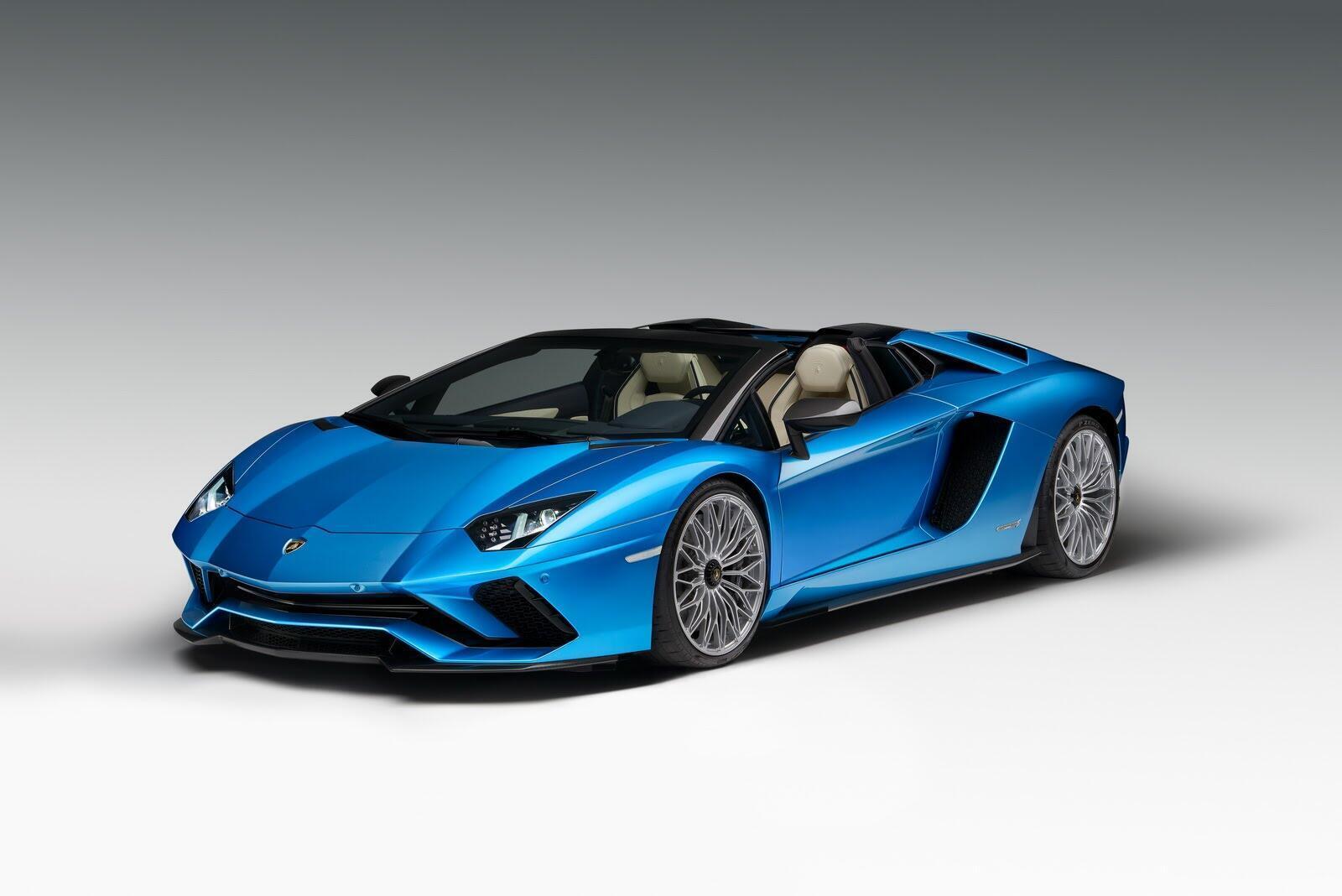 Siêu xe Lamborghini Aventador S Roadster chính thức trình làng - Hình 19