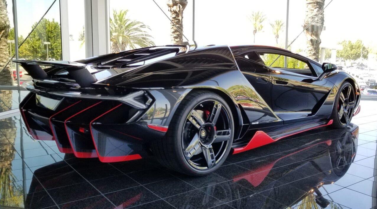Siêu xe Lamborghini Centenario tìm chủ mới với giá 3,5 triệu USD - Hình 3