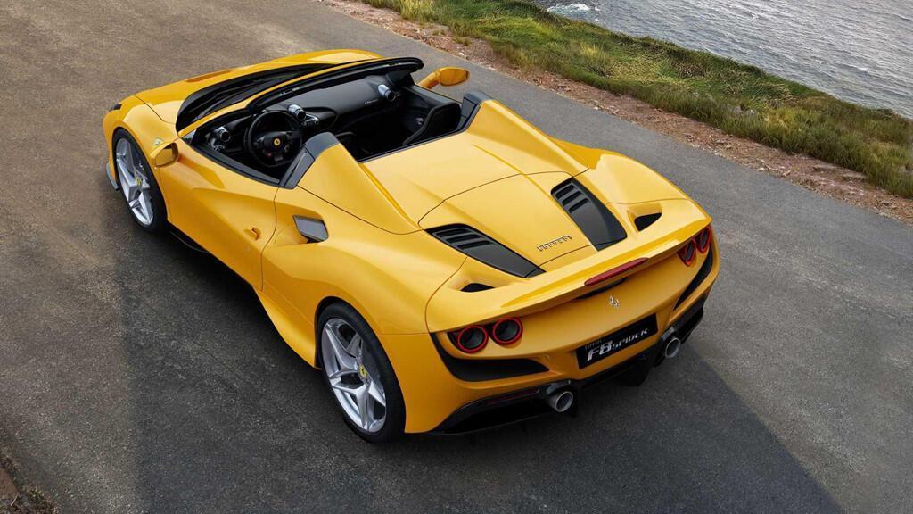 sieu-xe-the-thao-ferrari-f8-spider-ra-mat-doi-dau-mclaren-720s-spider-7.jpg