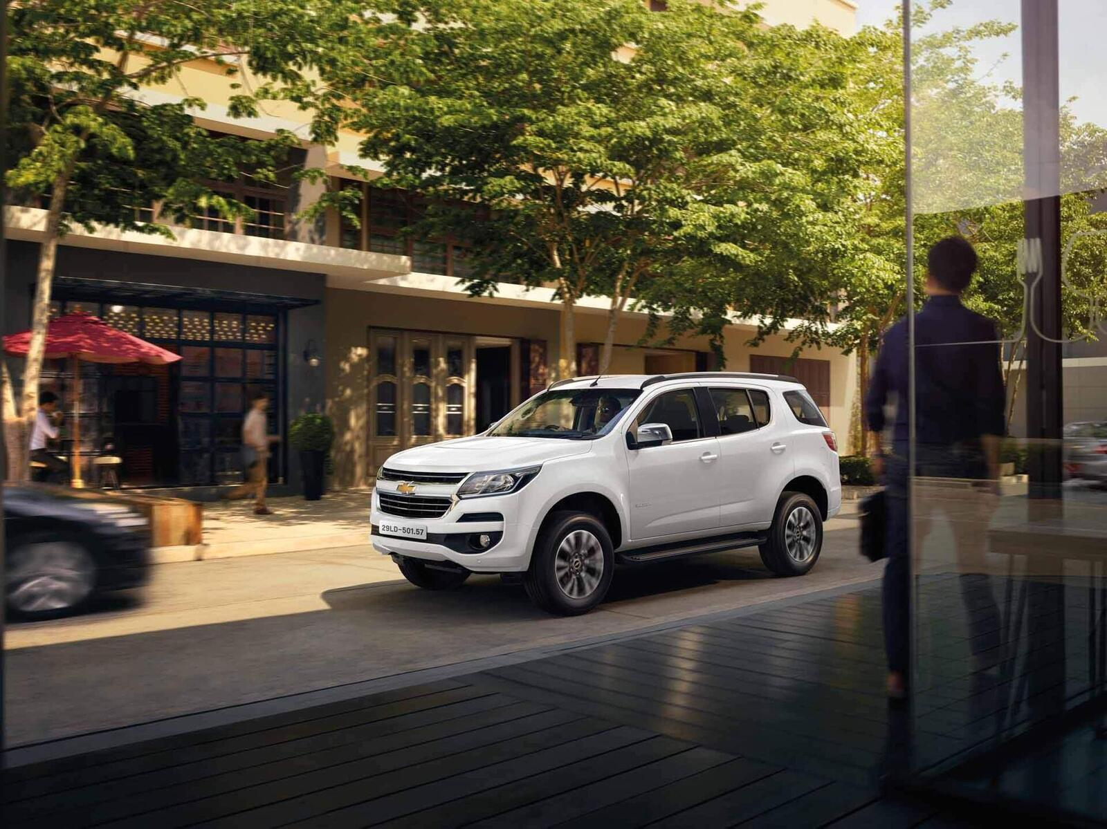 So sánh giá bán của Toyota Fortuner và Chevrolet Trailblazer - Hình 5