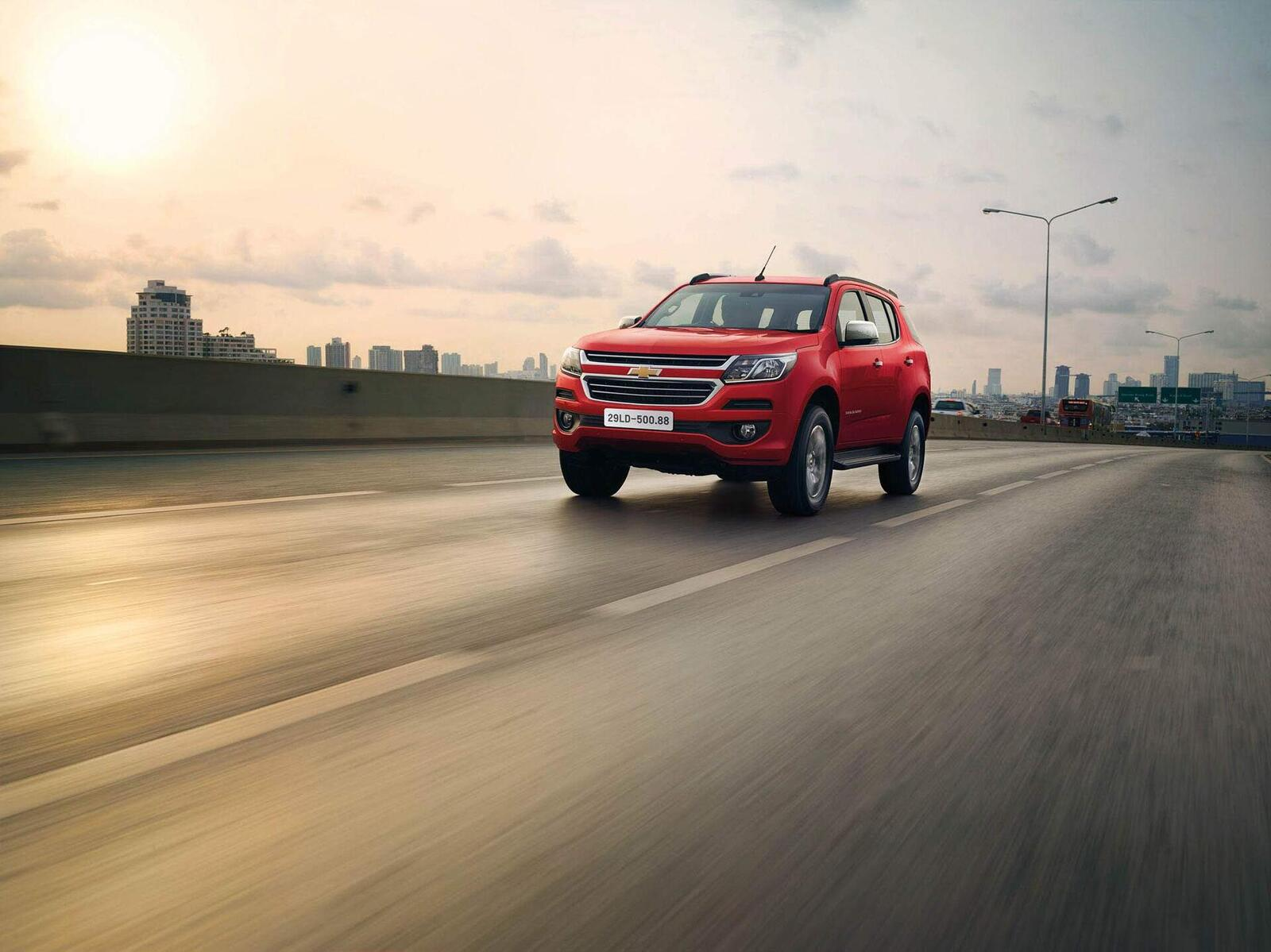 So sánh giá bán của Toyota Fortuner và Chevrolet Trailblazer - Hình 13