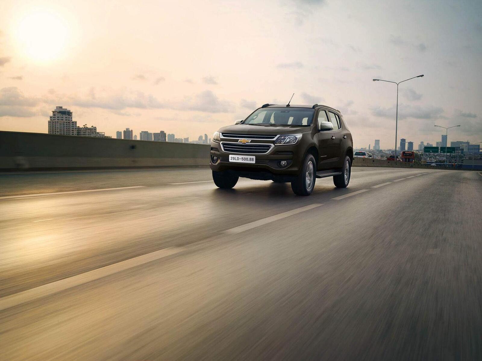 So sánh giá bán của Toyota Fortuner và Chevrolet Trailblazer - Hình 16