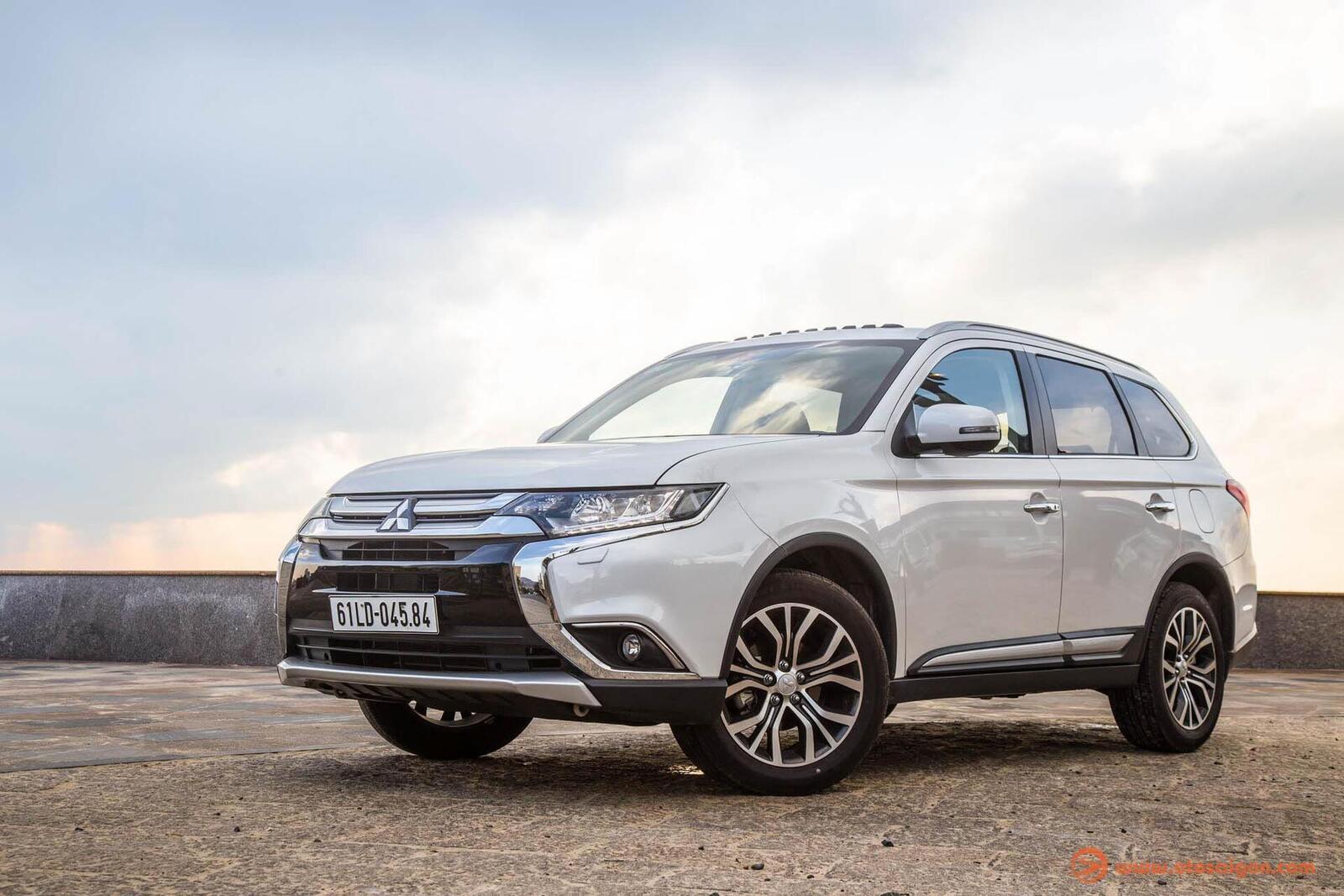 So sánh Hyundai Santa Fe 2019 với các đối thủ trong phân khúc SUV - Hình 15