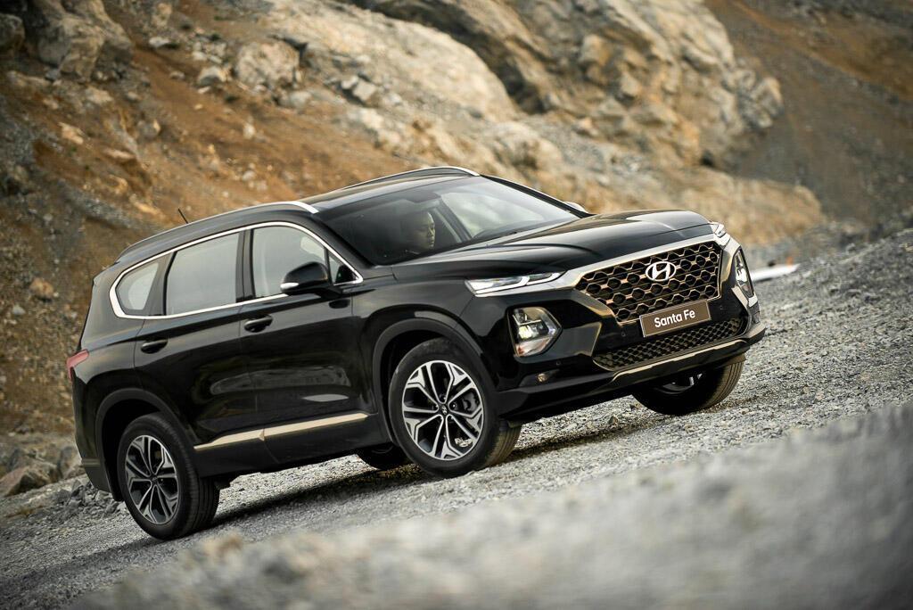 So sánh Hyundai Santa Fe 2019 với các đối thủ trong phân khúc SUV - Hình 6