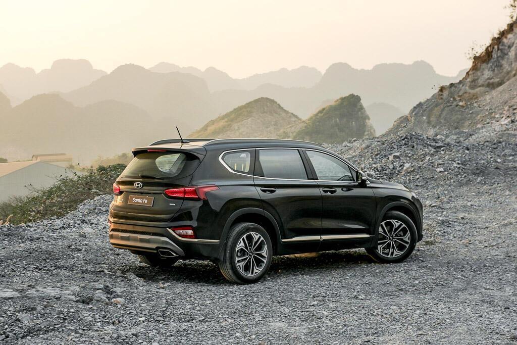 So sánh Hyundai Santa Fe 2019 với các đối thủ trong phân khúc SUV - Hình 7