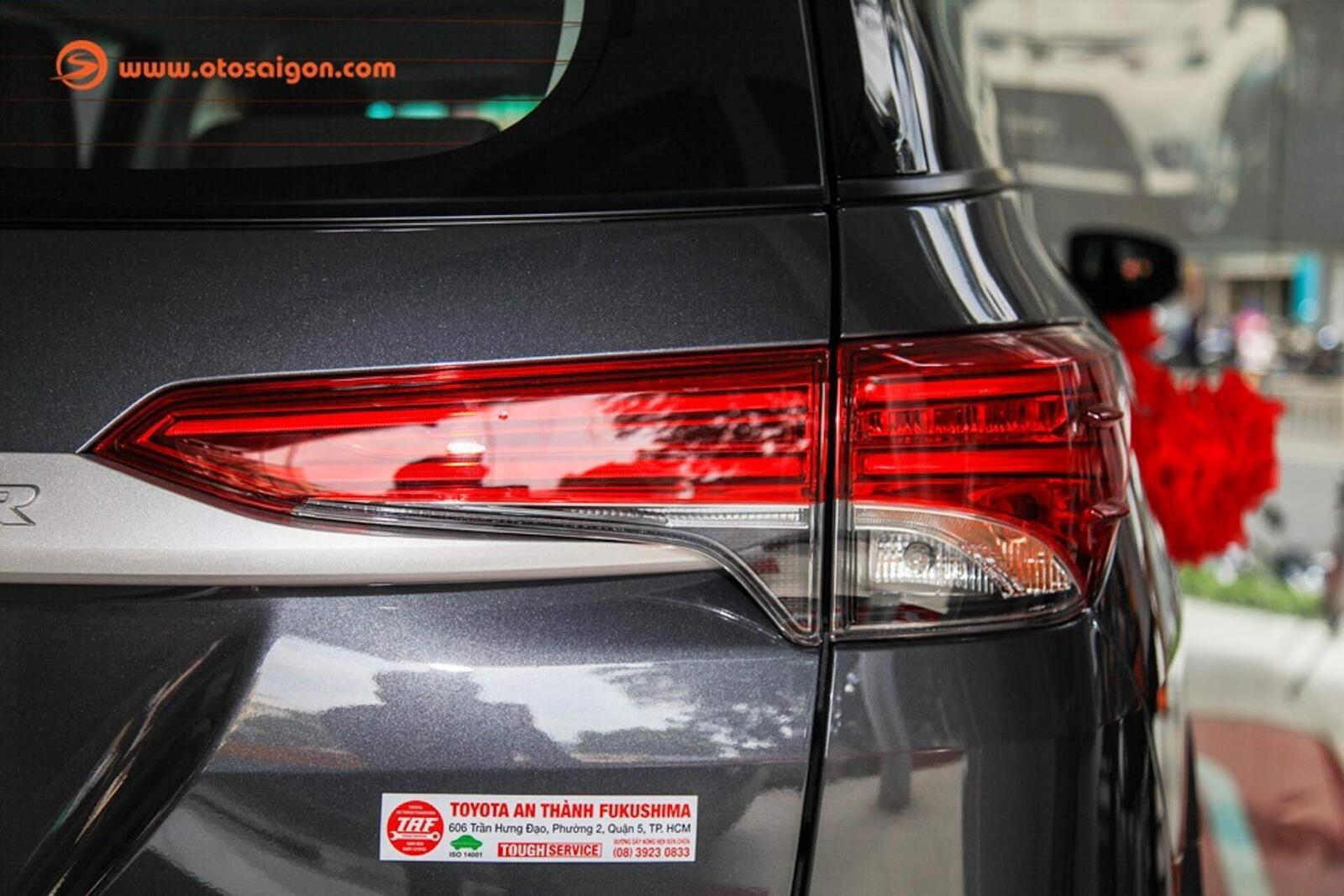 So sánh thông số: Toyota Fortuner và Chevrolet Trailblazer phiên bản thấp nhất - Hình 8