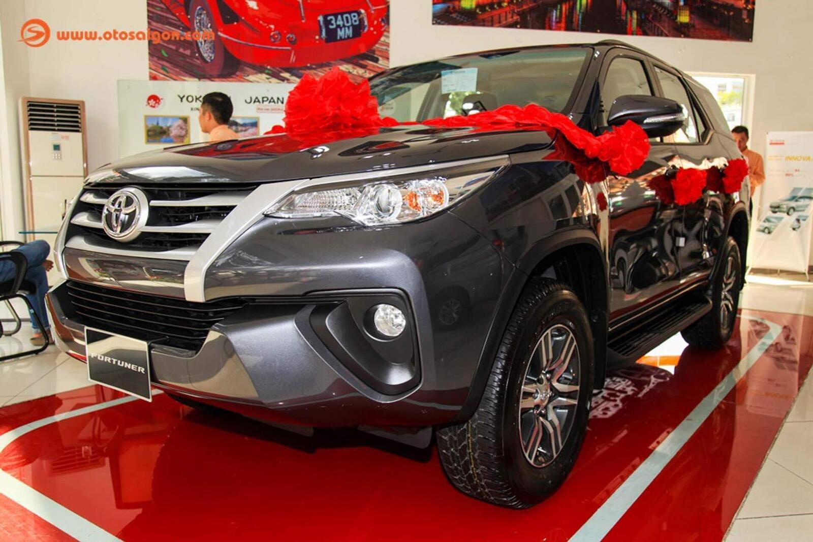 So sánh thông số: Toyota Fortuner và Chevrolet Trailblazer phiên bản thấp nhất - Hình 10