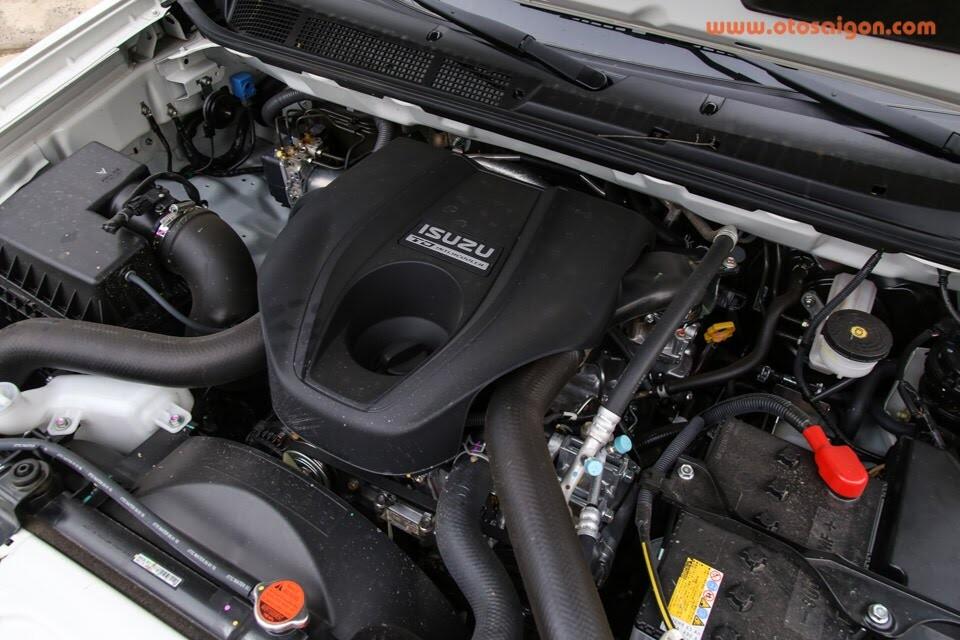 So sánh Toyota Fortuner 2017 và Isuzu mu-X: chọn SUV 7 chỗ Diesel nào với 1 tỷ đồng? - Hình 19