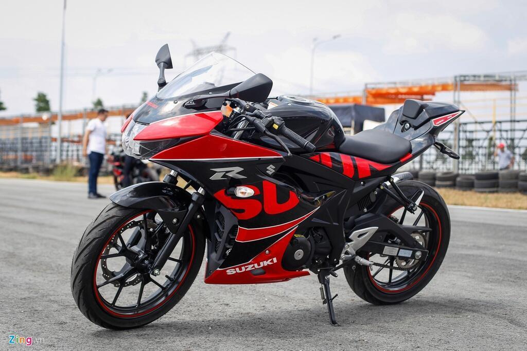 Sportbike 150 cc - chon Yamaha YZF-R15 hay Suzuki GSX-R150? hinh anh 10 Yoshimura_Suzuki_Zing_1.jpg
