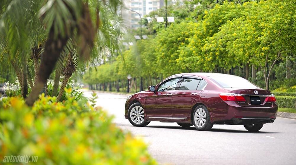 Sức hấp dẫn từ Honda Accord 2014, giá 1,47 tỷ đồng - Hình 1
