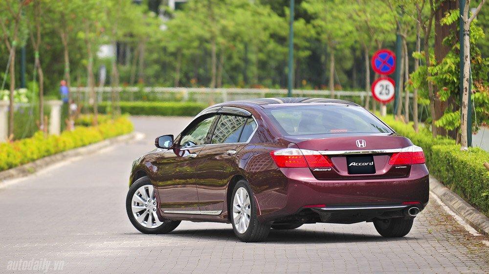Sức hấp dẫn từ Honda Accord 2014, giá 1,47 tỷ đồng - Hình 4
