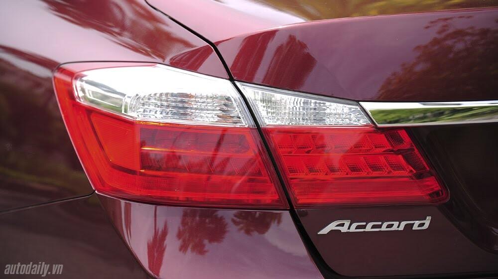 Sức hấp dẫn từ Honda Accord 2014, giá 1,47 tỷ đồng - Hình 11