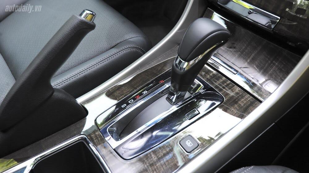 Sức hấp dẫn từ Honda Accord 2014, giá 1,47 tỷ đồng - Hình 22