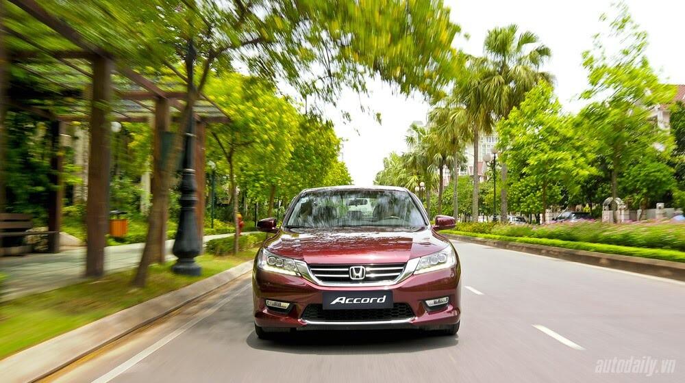 Sức hấp dẫn từ Honda Accord 2014, giá 1,47 tỷ đồng - Hình 24