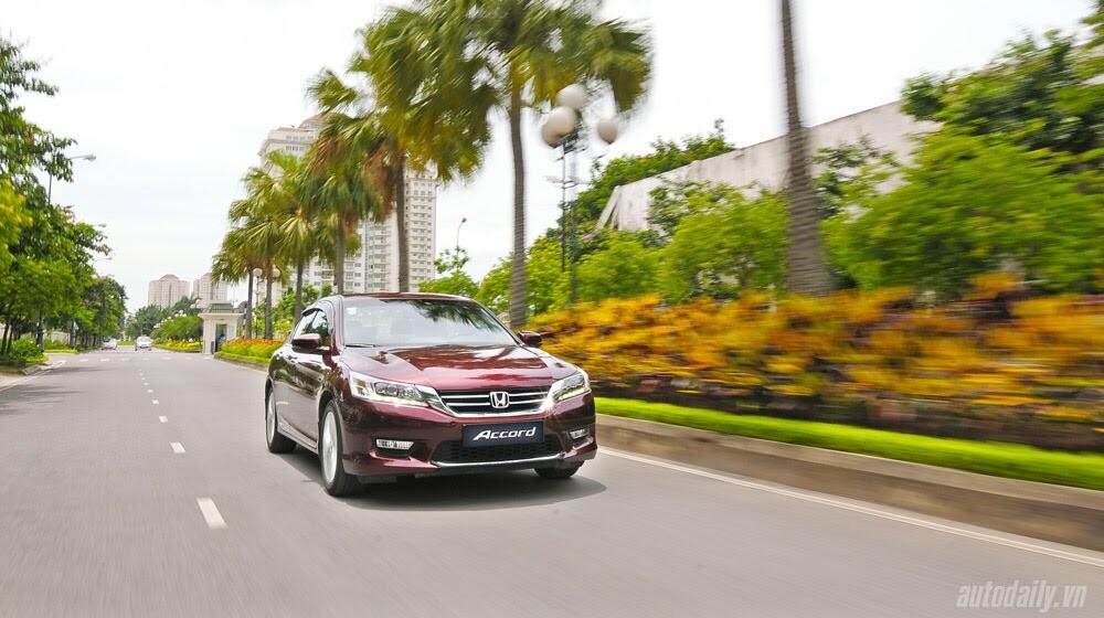 Sức hấp dẫn từ Honda Accord 2014, giá 1,47 tỷ đồng - Hình 28
