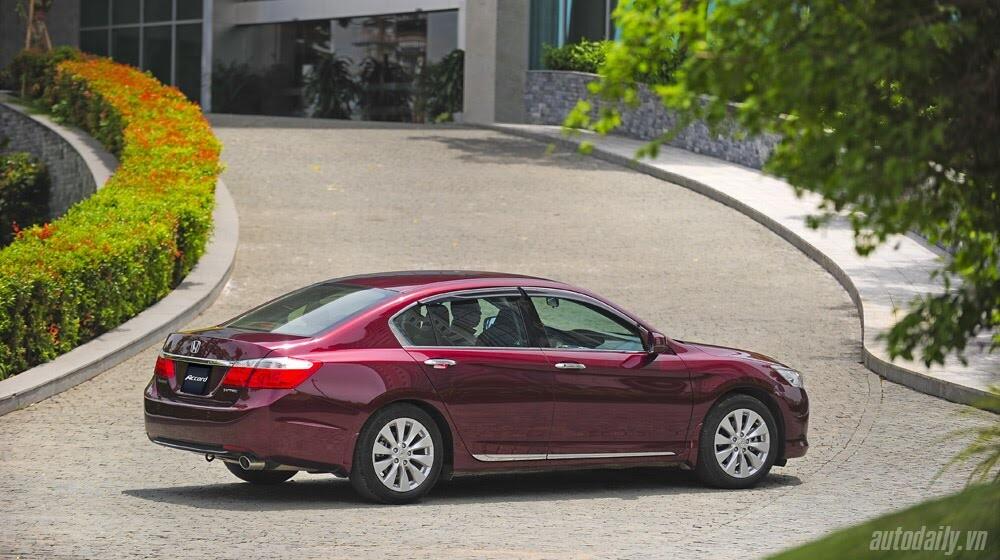 Sức hấp dẫn từ Honda Accord 2014, giá 1,47 tỷ đồng - Hình 29
