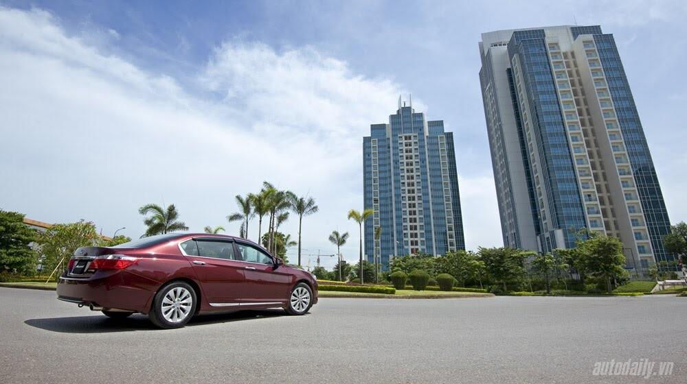 Sức hấp dẫn từ Honda Accord 2014, giá 1,47 tỷ đồng - Hình 35