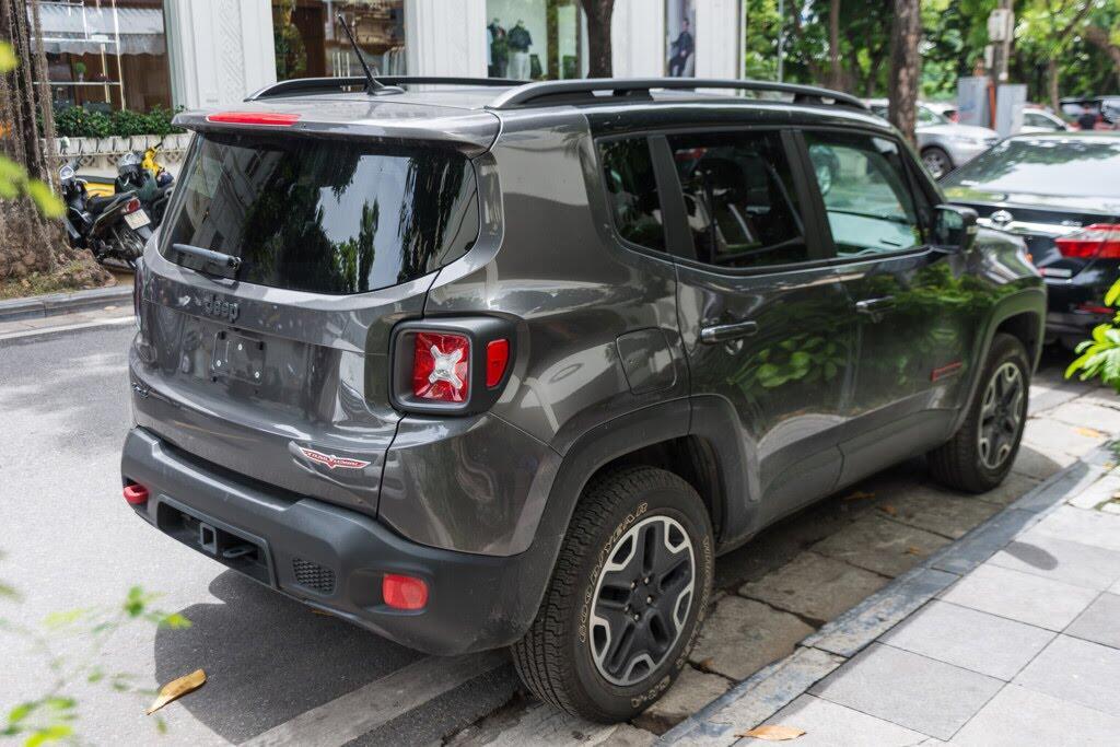 SUV rẻ nhất của Jeep về Việt Nam - Hình 3