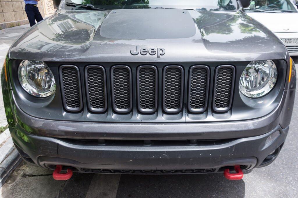 SUV rẻ nhất của Jeep về Việt Nam - Hình 4
