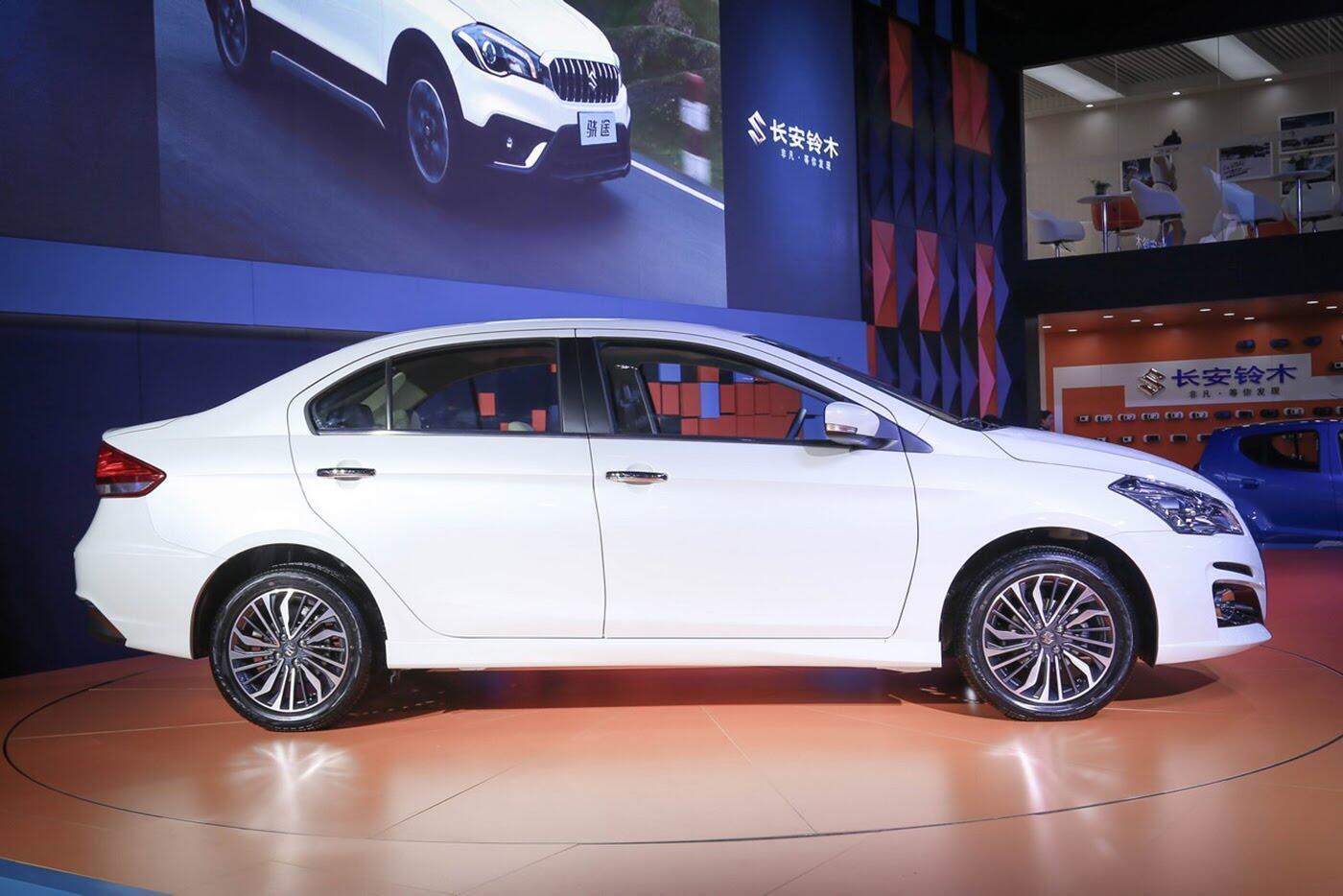 Suzuki Ciaz bản nâng cấp chính thức lộ diện - Hình 3