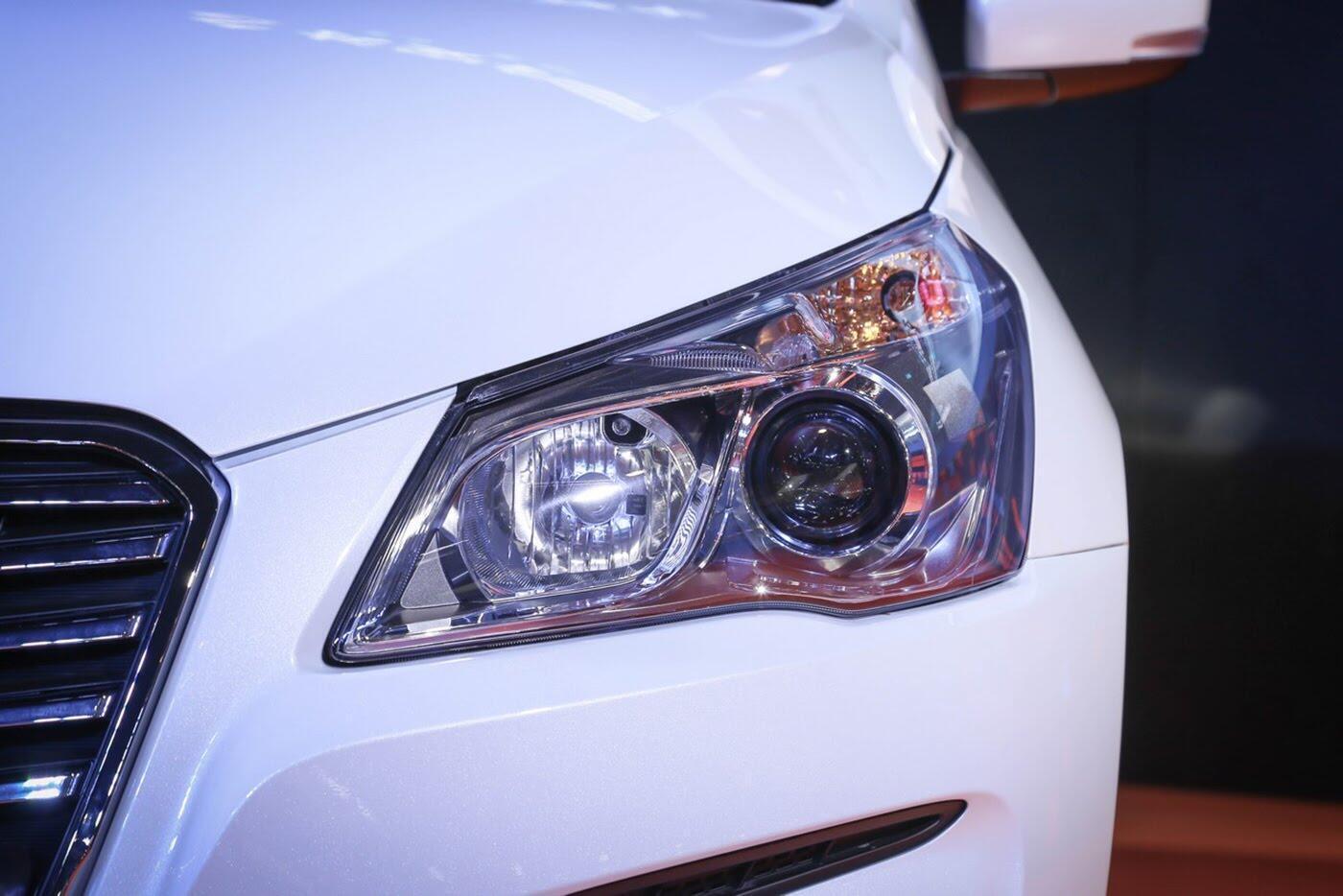 Suzuki Ciaz bản nâng cấp chính thức lộ diện - Hình 5