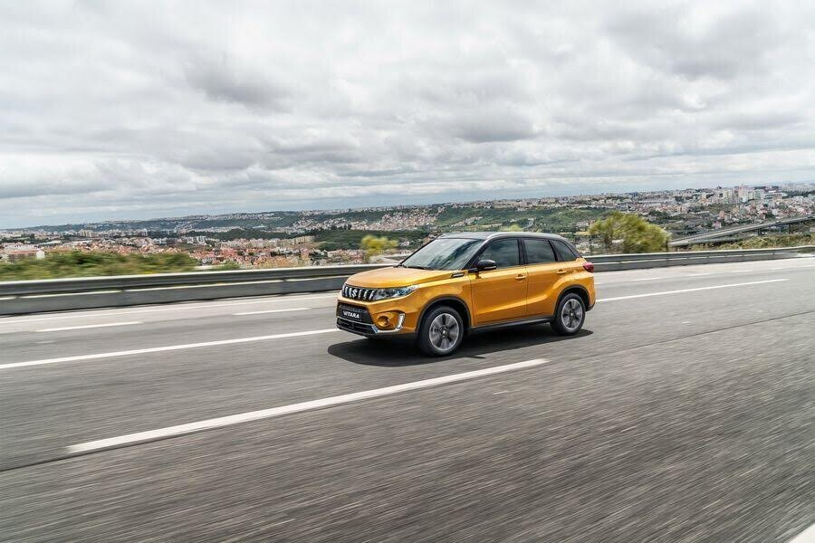 Suzuki Vitara 2019 tinh chỉnh đầu xe, bổ sung hai động cơ tăng áp mới - Hình 1