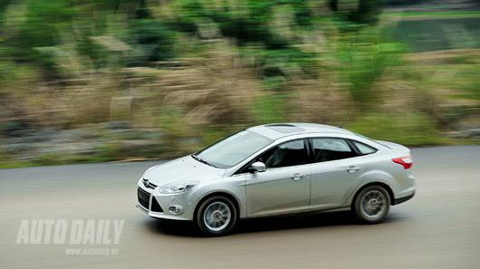 Tận hưởng công nghệ trên Ford Focus Titanium + - Hình 18