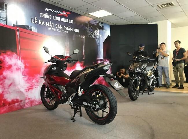 """Tận mắt """"thủ lĩnh"""" xe côn tay Honda Winner X giá từ 46 triệu đồng - Hình 1"""